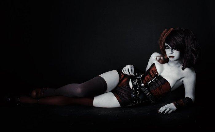 HarleyQuinn_by_Whitelemon_01
