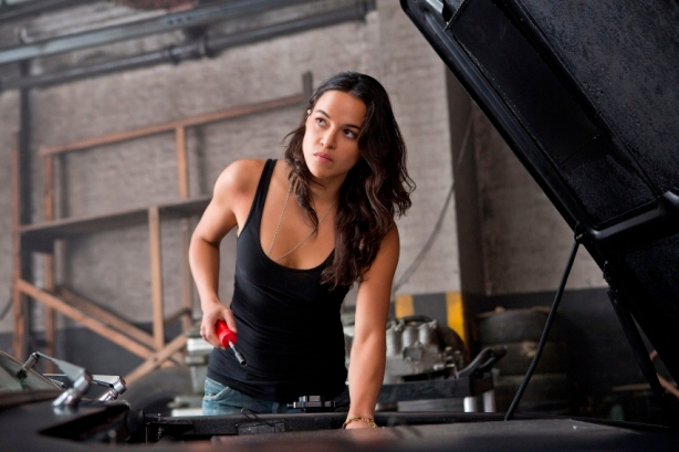 michelle-rodriguez-fast-furious-6_853x569