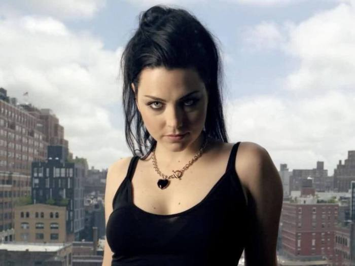 amy-lee-evanescence-photo-01
