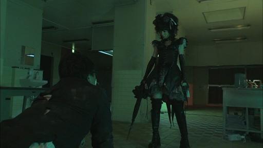 Gothic-Lolita-Psycho-13